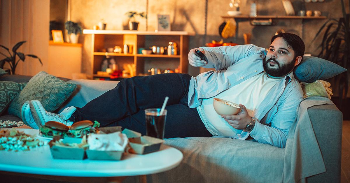 A person display risk factors of prediabetes.